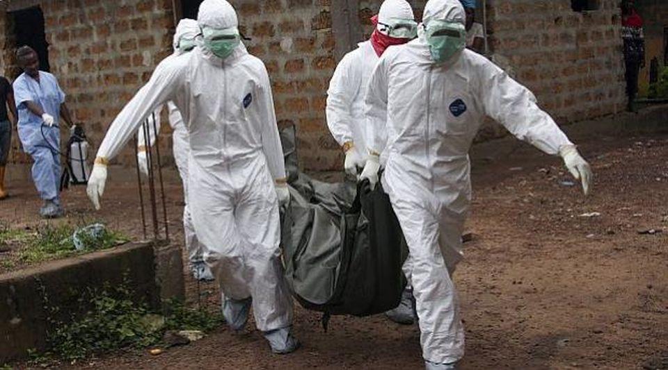 Un brote de Ébola afecta dos zonas de conflicto en el Congo