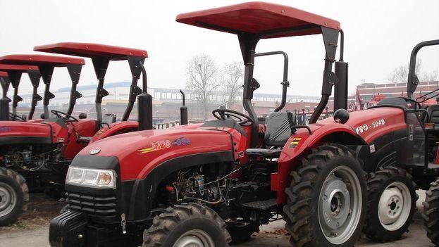 Tractores de la marca china YTO. (Luzhong-tractor)