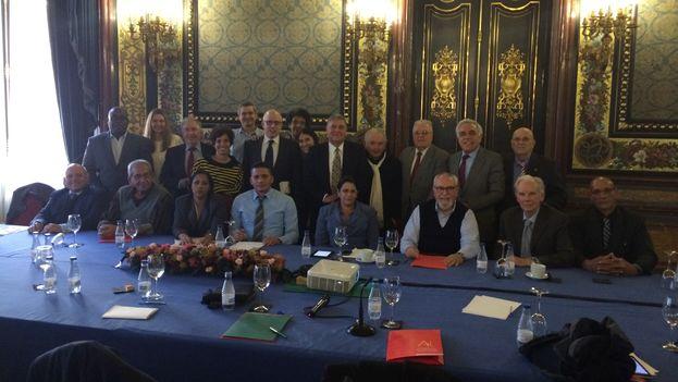 Los participantes del encuentro Transiciones en sociedades iberoamericanas.