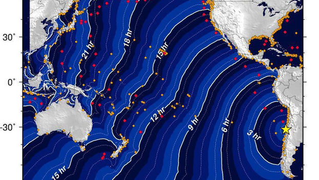 Trayectoria posible del tsunami originado por el fuerte seísmo en Chile. (National Tsunami Warning Center)