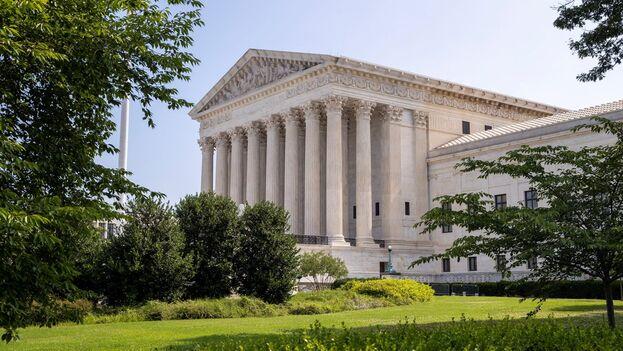 Vista exterior del Tribunal Supremo de EE UU, en Washington. (EFE/EPA/Shawn Thew)