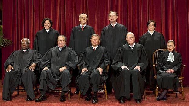 Imagen de la composición del Tribunal Supremo antes del fallecimiento de Antonin Scalia. (CC)