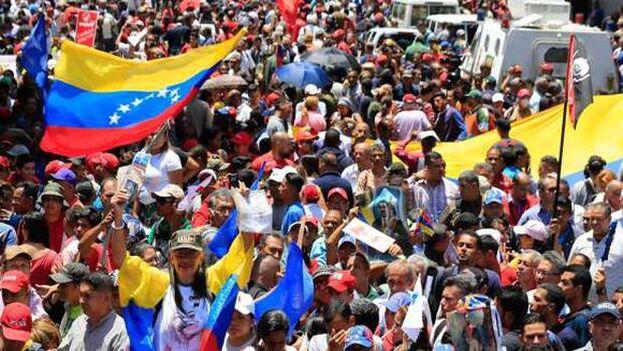 """Trump dijo que """"la situación de deterioro dentro de Venezuela justifica el aplazamiento de la expulsión de los ciudadanos venezolanos que se encuentran presentes en Estados Unidos"""". (efe)"""