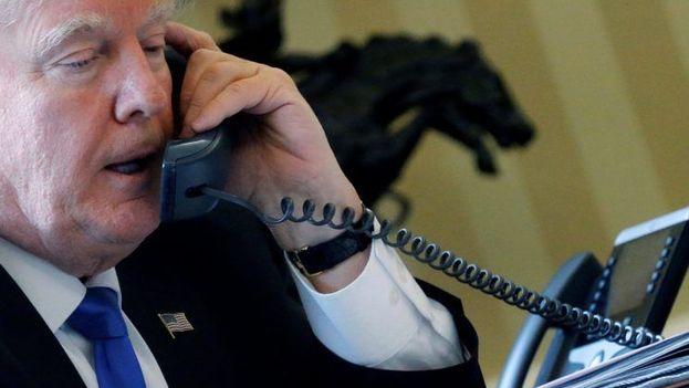 """Trump y Xi Jinping mantuvieron una conversación telefónica que ambas partes han calificado de """"larga"""" y """"extremadamente cordial"""". (White House)"""
