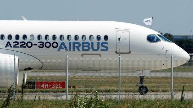 El conflicto cruzado viene de ayudas ilegales que la UE dio a Airbus y EE UU a Boeing. (Guillaume Horcajuelo/EFE)