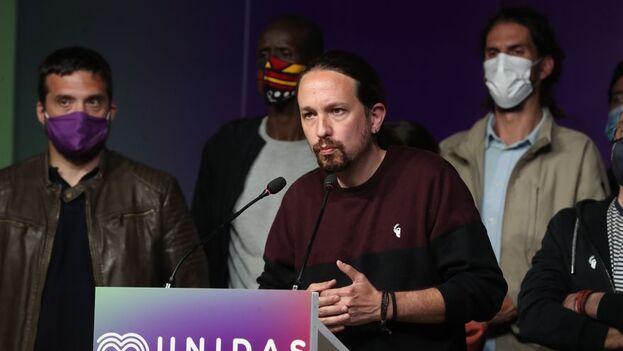 El líder de Unidas Podemos, Pablo Iglesias, comparece ante los medios en la sede del partido tras conocer los resultados de las elecciones a la Comunidad de Madrid. (EFE/Kiko Huesca)