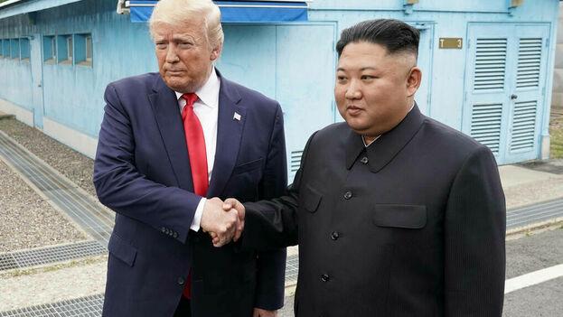 El presidente de los Estados Unidos, Donald J. Trump y el gobernante de Corea del Norte, Kim Jong-Un. (EFE)
