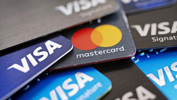 Estados Unidos no permite que las compañías Visa y MasterCard se beneficien de transacciones en Cuba. (EFE)