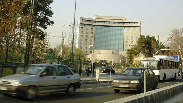 Sede de la Unión Islámica de Radio y Televisión de Irán, sancionada por haber difundido desinformación dirigida al electorado estadounidense durante las elecciones de 2020. (CC)
