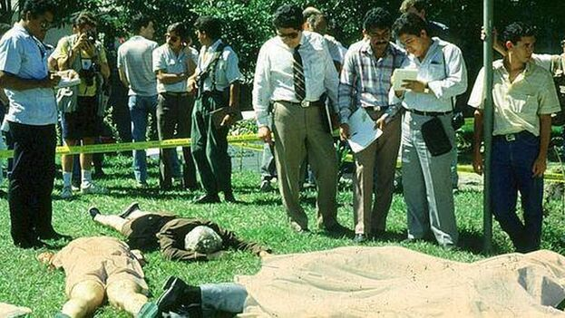 Escena del crimen en la Universidad Centro Americana de San Salvador. (EFE)
