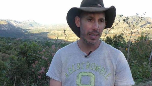 Ariel Ruiz Urquiola y su familia sostienen que el fin de las autoridades es hacerse con su finca en Viñales, Pinar del Río, y castigarlo por su oposición al Gobierno. (Facebook)