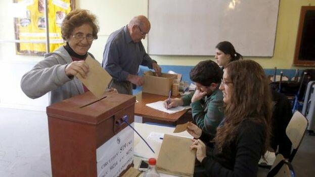El domingo Uruguay elige a su próximo presidente en los comicios más disputados desde hace décadas. (Telesur)