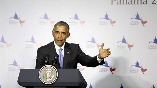 Barack Obama durante una conferencia de prensa en la VII Cumbre de las Américas (Foto EFE/Carlos Ibarra)