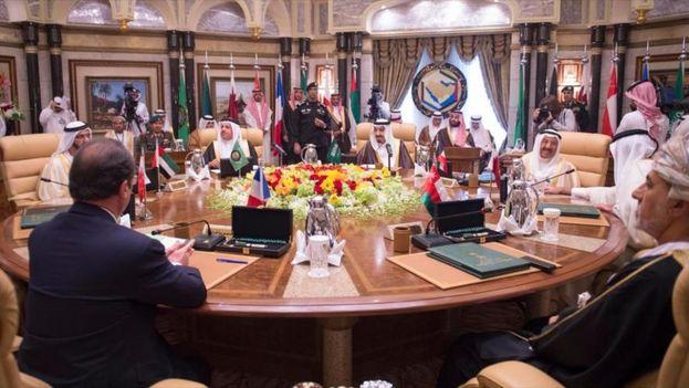 Varios países árabes han roto sus relaciones este lunes con Catar, al que acusan de promover el terrorismo. (Hispantv)