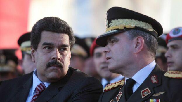 El jefe de las Fuerzas Armadas Venezolanas, Vladimir Padrino, junto al gobernante, Nicolás Maduro. (Twitter)
