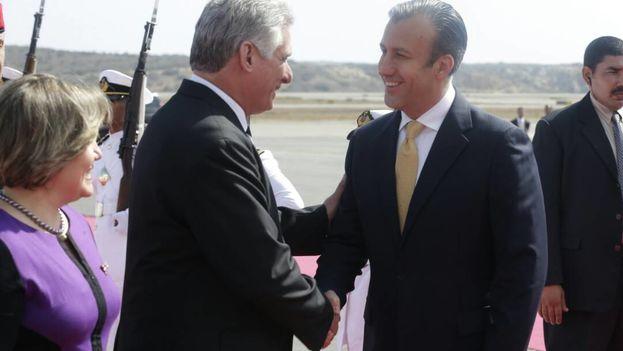 Venezuela y Cuba mantienen una estrecha alianza política y económica que se remonta a la etapa de los ya fallecidos gobernantes Chávez y Fidel Castro. (Cancillería Venezuela)