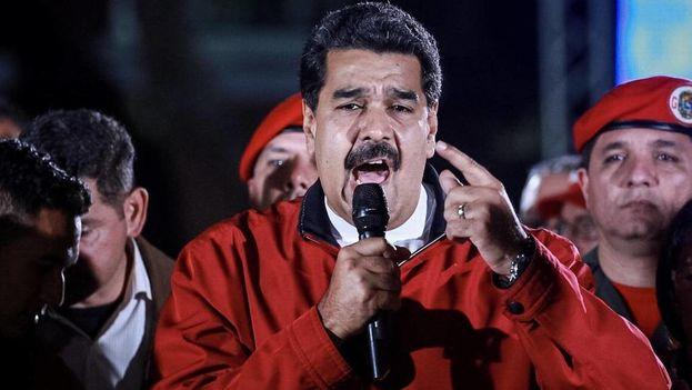 El presidente de Venezuela, Nicolás Maduro, celebra los resultados electorales el domingo 30 de julio de 2017, en la Plaza Bolívar de Caracas. (EFE)