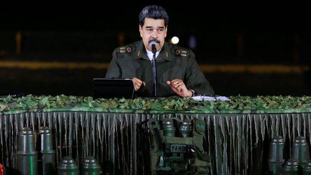 El mandatario de Venezuela Nicolás Maduro, este viernes durante un encuentro con el alto mando militar en Caracas. (EFE/Prensa Miraflores)