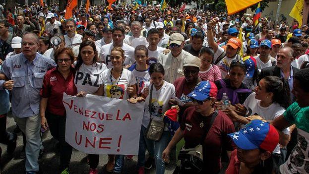 """Venezuela protesta en silencio por """"los caídos"""" en las recientes protestas pidiendo la salida de Nicolás Maduro. (Archivo EFE)"""