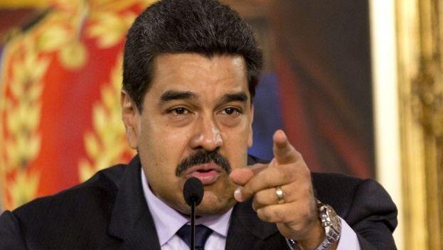 """El presidente de Venezuela, Nicolás Maduro, aprueba una """"reestructuración absoluta"""" de la petrolera estatal PDVSA. (EFE)"""