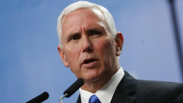 """Si hay un país foráneo que esté """"impactando en el destino de Venezuela no es Estados Unidos, sino Cuba"""", aseveró Pence. (EFE)"""