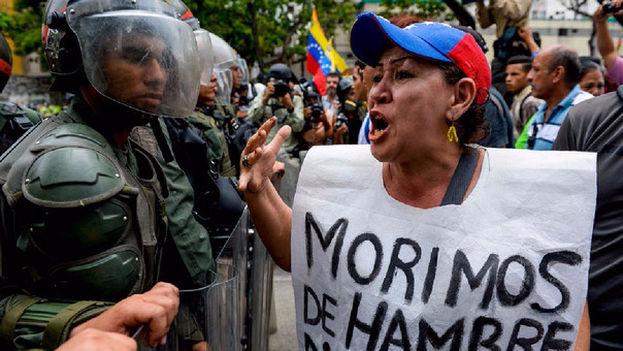 Las protestas en Venezuela se mantuvieron e incluso se agudizaron después de que el Gobierno pusiera en marcha un paquete de medidas económicas. (EFE)