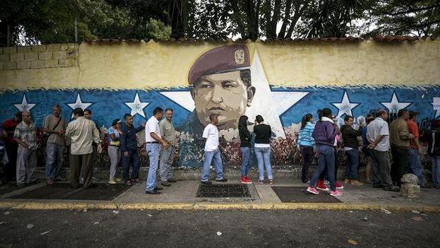 El episodio en Vista Hermosa no dejó víctimas que lamentar, pero evidenció la tensión que aflora entre los venezolanos cada vez que el tema electoral aparece en el horizonte. (EFE)