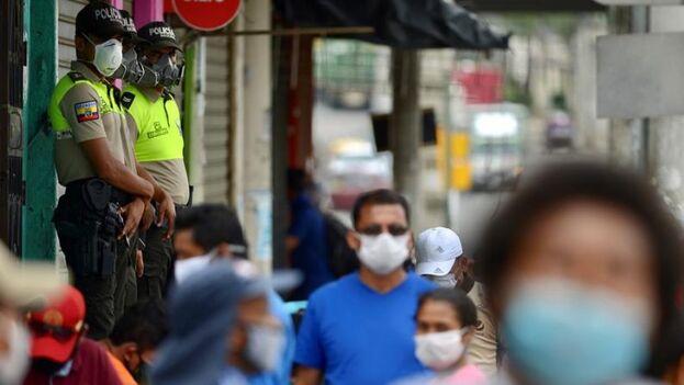 Viteri se quejó de que, como alcaldesa, la fuerza militar no está entre sus potestades, y que la Policía Metropolitana no tiene la capacidad de impedir las salidas. (EFE)