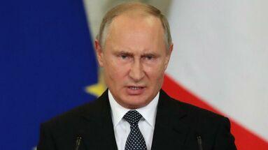 """Los presidentes de Rusia, Vladímir Putin, y China, Xi Jinping, pusieron este lunes en funcionamiento el gasosoducto """"Fuerza de Siberia"""". (EFE)"""