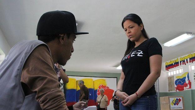 Votantes a las elecciones de la Asamblea Constituyente este domingo. (CVM)