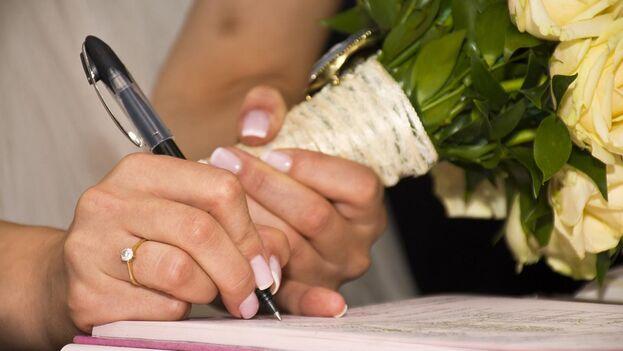 Uno de los cargos en contra de Yamira Sánchez es el de conspiración por cometer fraude matrimonial. (Pixabay)