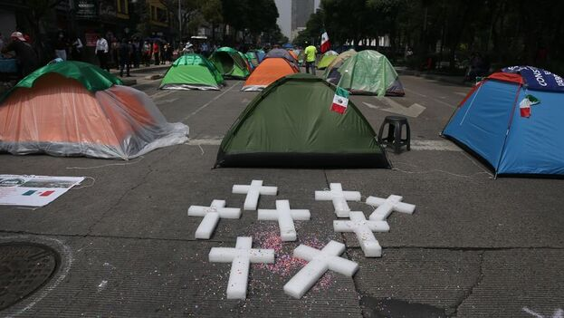 """""""Nuestra finalidad era llegar al Zócalo de la ciudad porque no queremos ocupar calles que pertenecen a la ciudadanía, no queremos molestar"""", dicen los organizadores. (EFE)"""