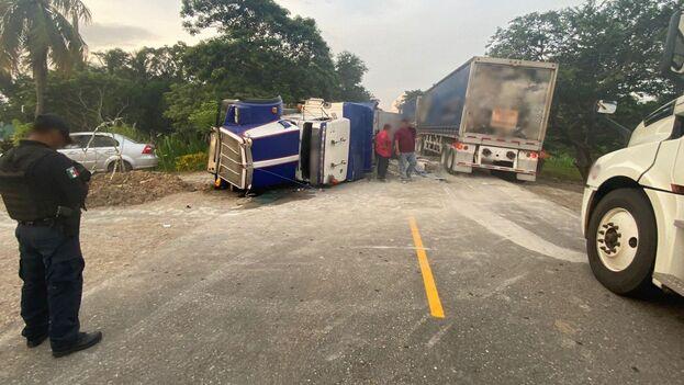 El accidente dejó cuatro fallecidos y ocho heridos de nacionalidad cubana. (@PSK_vialidad)