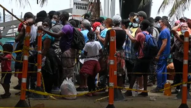 Aunque hay asiáticos, africanos y cubanos, la inmensa mayoría son haitianos, precisaron las autoridades. (Captura)