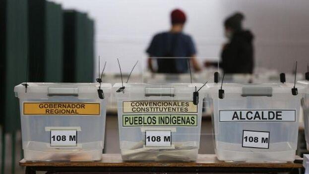 La elección se realiza en paralelo a la de alcaldes, concejales y gobernadores regionales. (EFE)