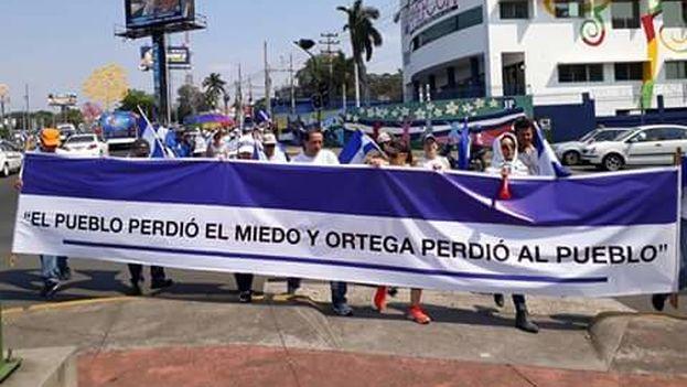 """La marcha antigubernamental discurrió bajo el lema """"Por la Justicia y la Democratización de Nicaragua"""". (Twitter)"""
