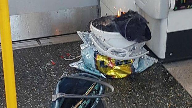 El explosivo ha aparecido en una bolsa de un vagón de metro en la estación de Parsons Green, en Londres. (Captura)