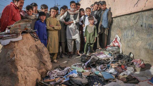 El atentado se produjo en un área habitada sobre todo por la minoría chií hazara, objetivo habitual de ataques islamistas. (EFE)