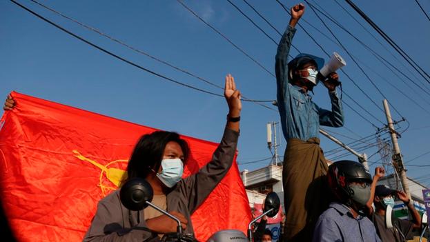 En las últimas semanas han aumentado los ataques en Rangún contra controles militares. (EFE)