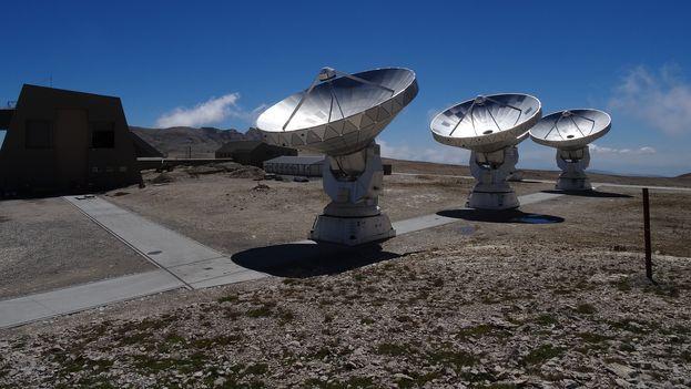 En las futuras bases se prevé instalar dos telescopios automatizados para observaciones posicionales, fotométricas y espectroscópicas. (EFE)