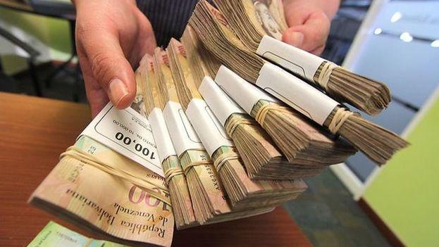 Los billetes de 100 bolívares están fuera de circulación desde este martes y durante 72 horas. (@NicolasMaduro)