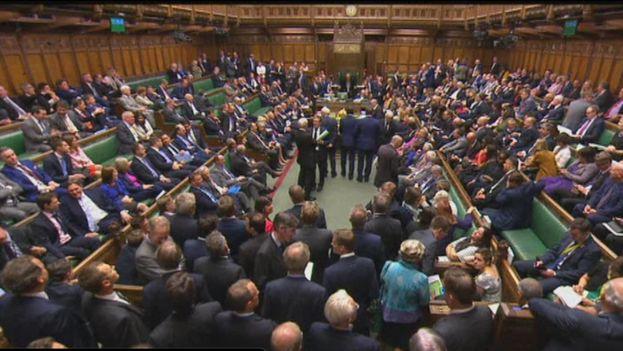 La cámara de los Comunes votó durante la noche del lunes la ley de salida de la UE. (Captura)