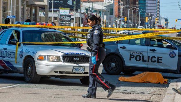 El autor del ataque arrolló a decenas de personas con una camioneta alquilada y fue detenido posteriormente sin poner resistencia. (EFE/Warren Toda)