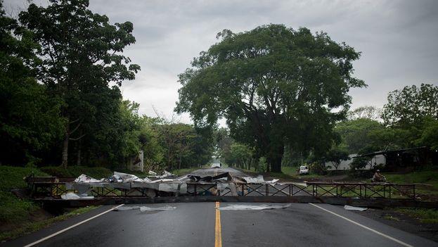 Los cortes de carreteras se han convertido en el caballo de batalla del Gobierno, que condiciona su suspensión para seguir con el diálogo. (Telenoticias)