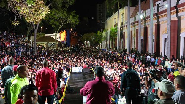 Los chavistas celebraban la victoria de Maduro y consideran que no se debe hablar con la oposición. (PSUV)