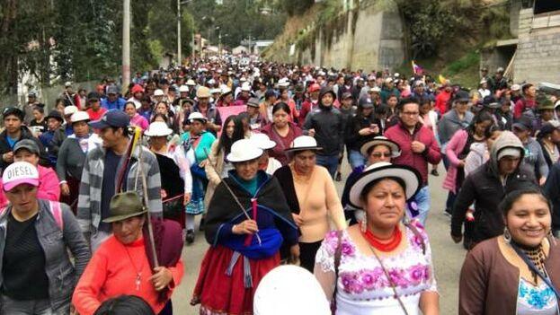 Los indígenas aseguran que protestan guiados por un espíritu basado en los intereses colectivos de las nacionalidades y lejos de los trapicheos políticos. (EFE)