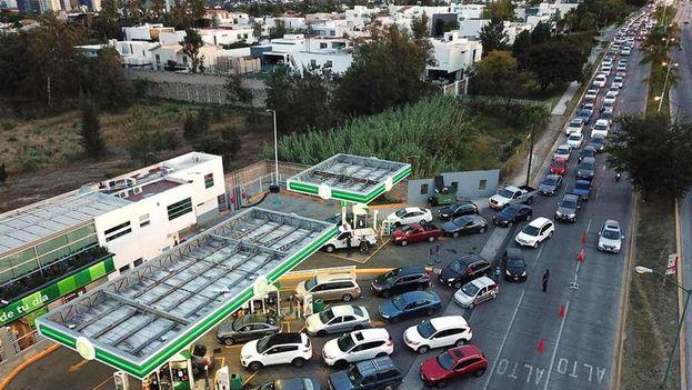 La estrategia para combatir el robo de combustible en México ha generado una situación de nerviosismo e incertidumbre en el país. (D.R.)