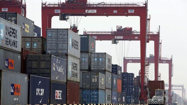 El comercio exterior de China cayó un 6,4% interanual durante el primer trimestre de 2020. (EFE)