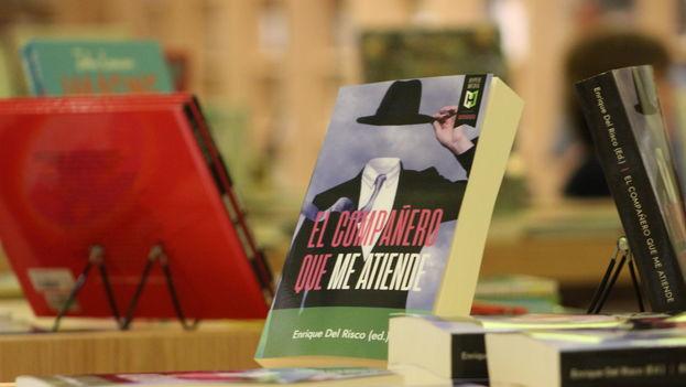 'El compañero que me atiende' estará a la venta en la página web de Amazon y en algunas librerías de Florida. (14ymedio)