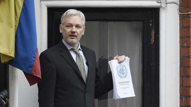 Desde el 13 de octubre un documento regula las condiciones de vida de Assange en la embajada ecuatoriana en Londres. (EFE)